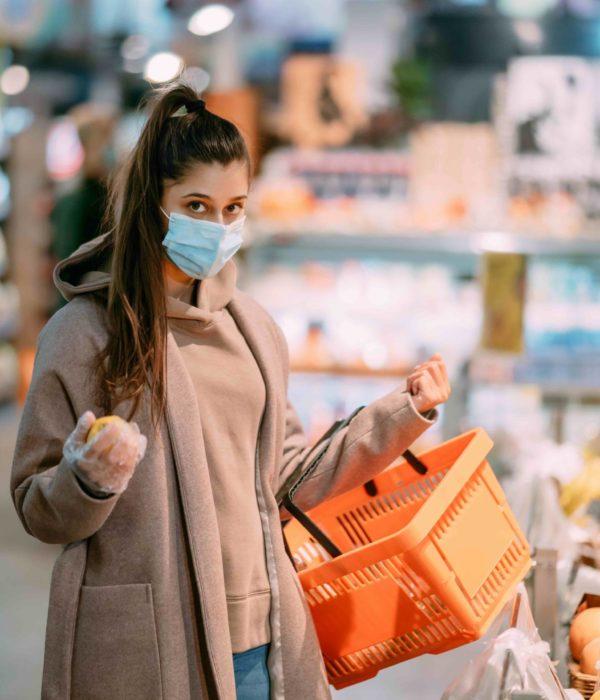 Centres commerciaux fermés, couvre-feu, télétravail … Comment s'organiser pour faire les courses ?